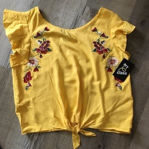 Yellow embroidered tie front top art class